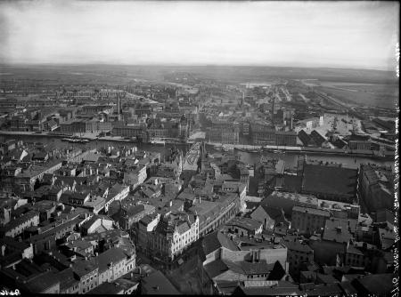 Widok ogólny na miasto z wieży kościoła św. Jakuba na płn. (MNS/A.Foto/4994; Szczecin)